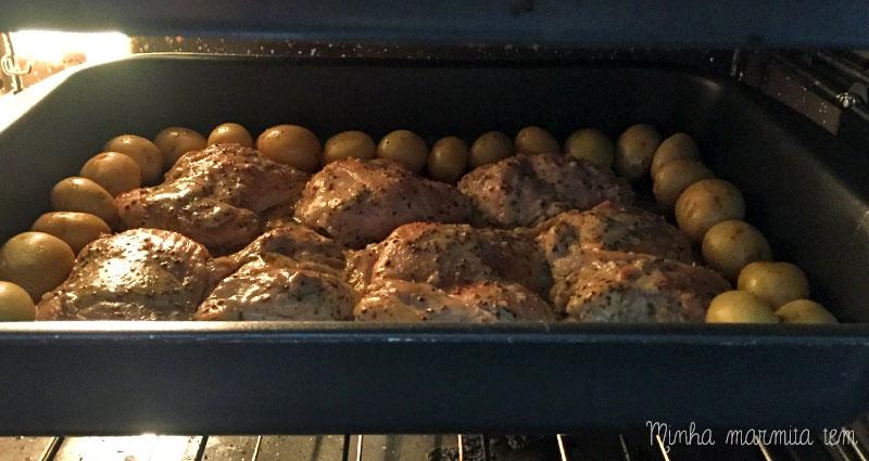 receita de frango assado com mostarda e batatas