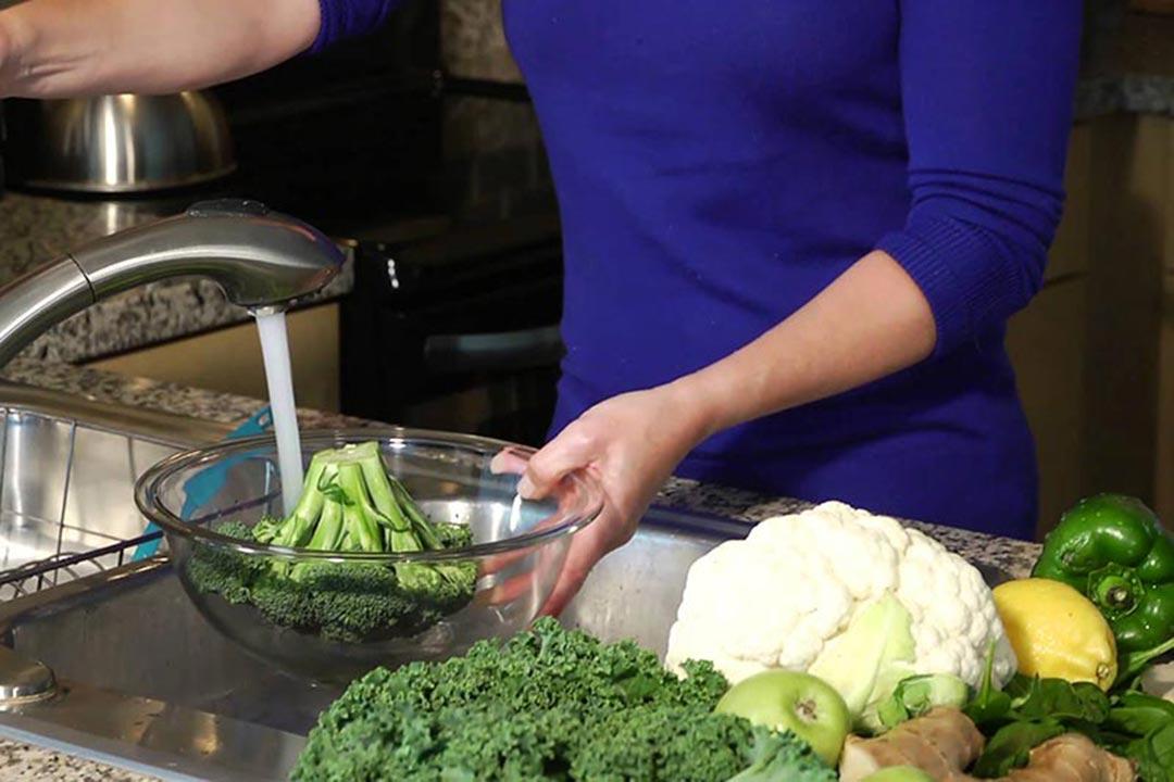Como higienizar a salada corretamente